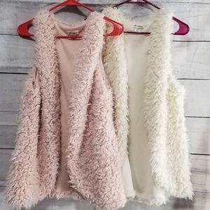 2 sherpa vests